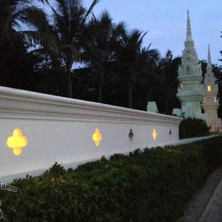 DonCharisma.org Beach Walk 6 Wall Gates HDR