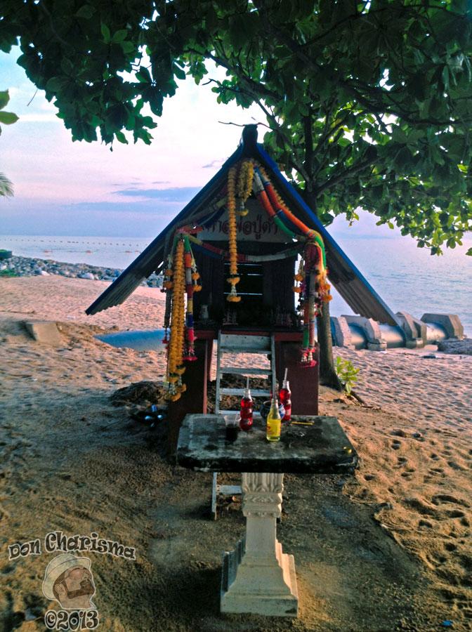 DonCharisma.org Thai Traditional Buddhist Shrine