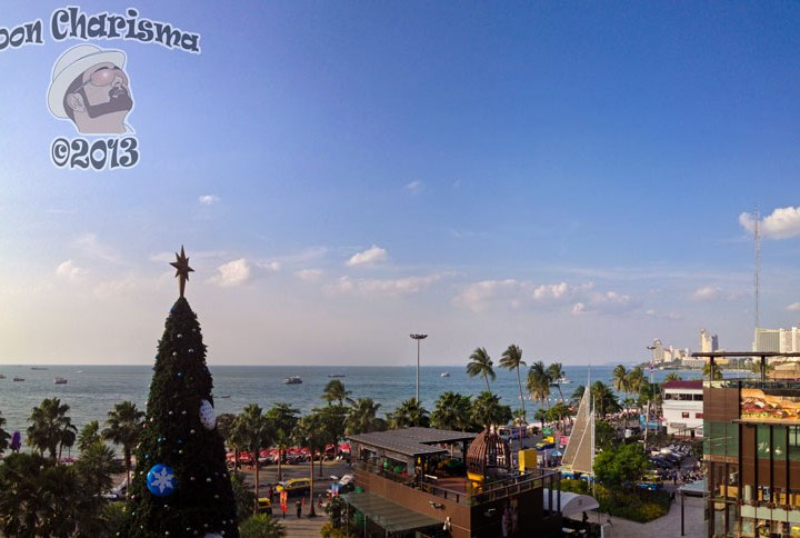 DonCharisma.org Christmas Tree Beach Shopping Central Panorama PTGui-2w-x-2h-L