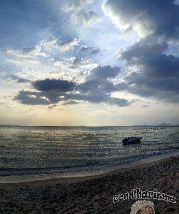 DonCharisma.org Evening Beach Speedboat Tall Pano PTGui-2w-x-2h-P