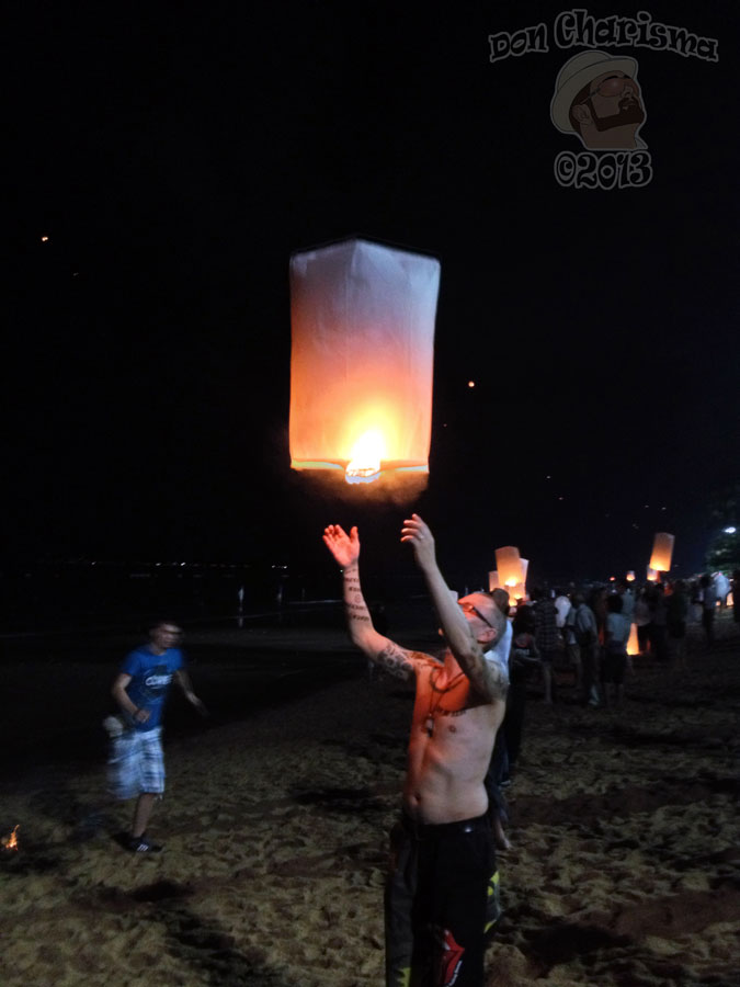 DonCharisma.org Sky Lantern Man - Loy Catong Festival
