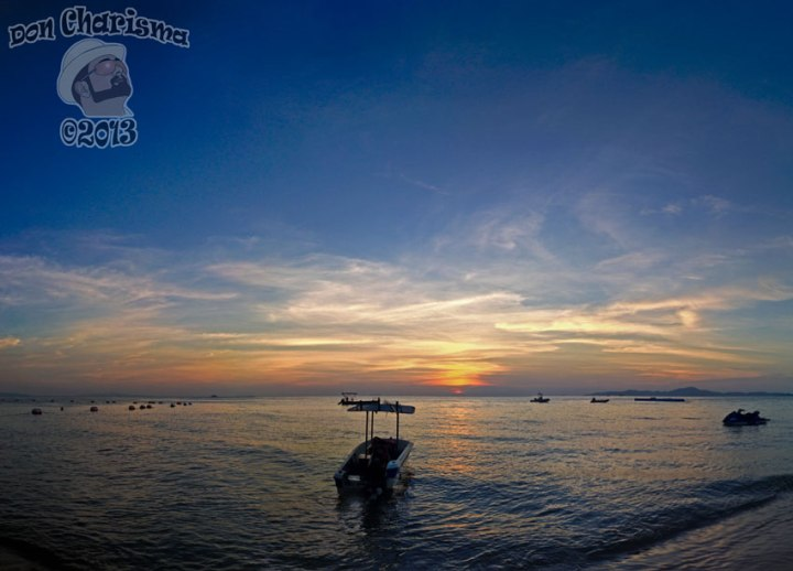 DonCharisma.org-Boaty-Ocean-Sunset-Pano-PS-4w-x-3h-P