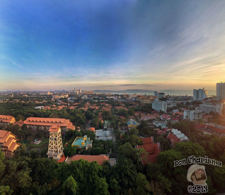 DonCharisma.org-Top-Floor-Sunset-Panorama-PTGui-4w-x-2h-P