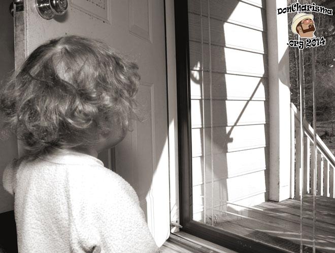 DonCharisma.org-Child-At-Doorway