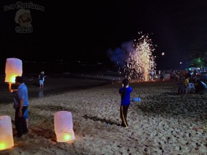 DonCharisma.org-Sky-Lantern-And-Firework-2-Loy-Catong-Festival