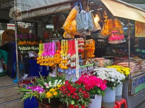 DonCharisma.org-Flower-And-Garland-Stall