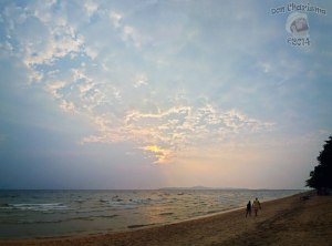 DonCharisma.org-Huge-Sky-Beach-Sunset-Panorama-3w-x-3h-L