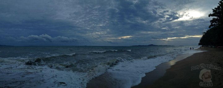 DonCharisma.org-Stormy-Beach-Sunset-Panorama