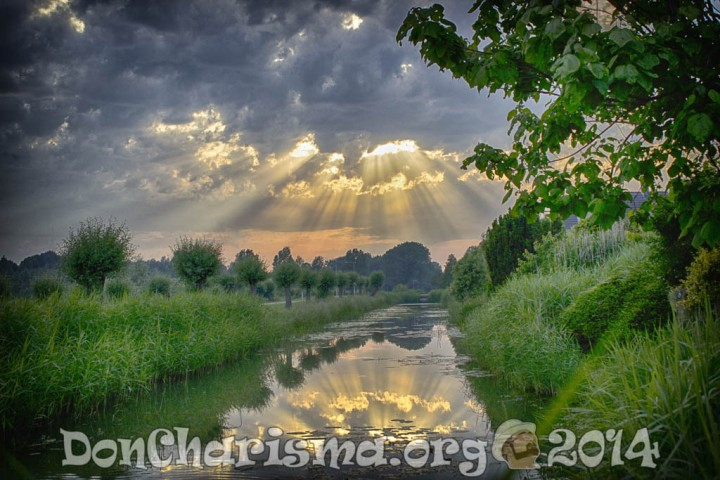 pixabay-sun-rays-511029-DonCharisma.org-1024LE