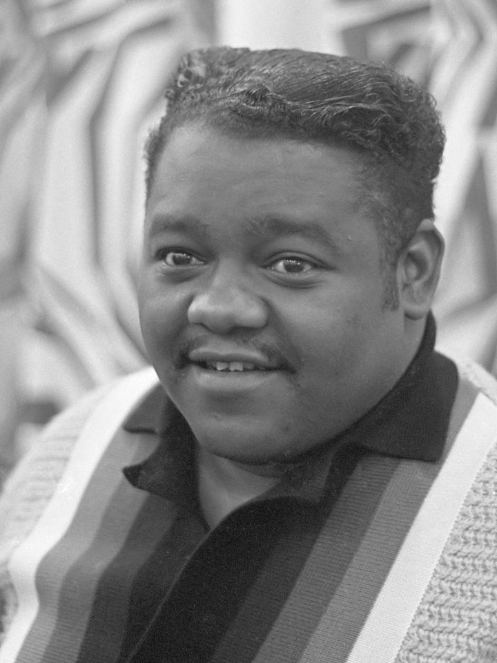 "DON CHARISMA, Fats Domino in Amsterdam, Fats tijdens zijn optreden in het Concertgebouw *3 november 1962, Fats Domino, Antoine ""Fats"" Domino Jr., Rock and roll, boogie-woogie, New Orleans, rhythm and blues"