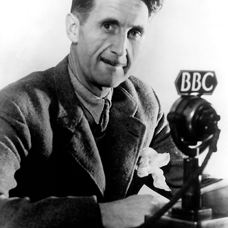 author,1984,big brother,british,dystopia,english,eric blair,george orwell,historical,male,man,photograph,politics,uk,britain,england,famous,freedom,DON CHARISMA, 1EN-625-B1945 Orwell, George (eigentl. Eric Arthur Blair), engl. Schriftsteller Motihari (Indien) 25.1.1903 - London 21.1.1950. Foto, um 1945.