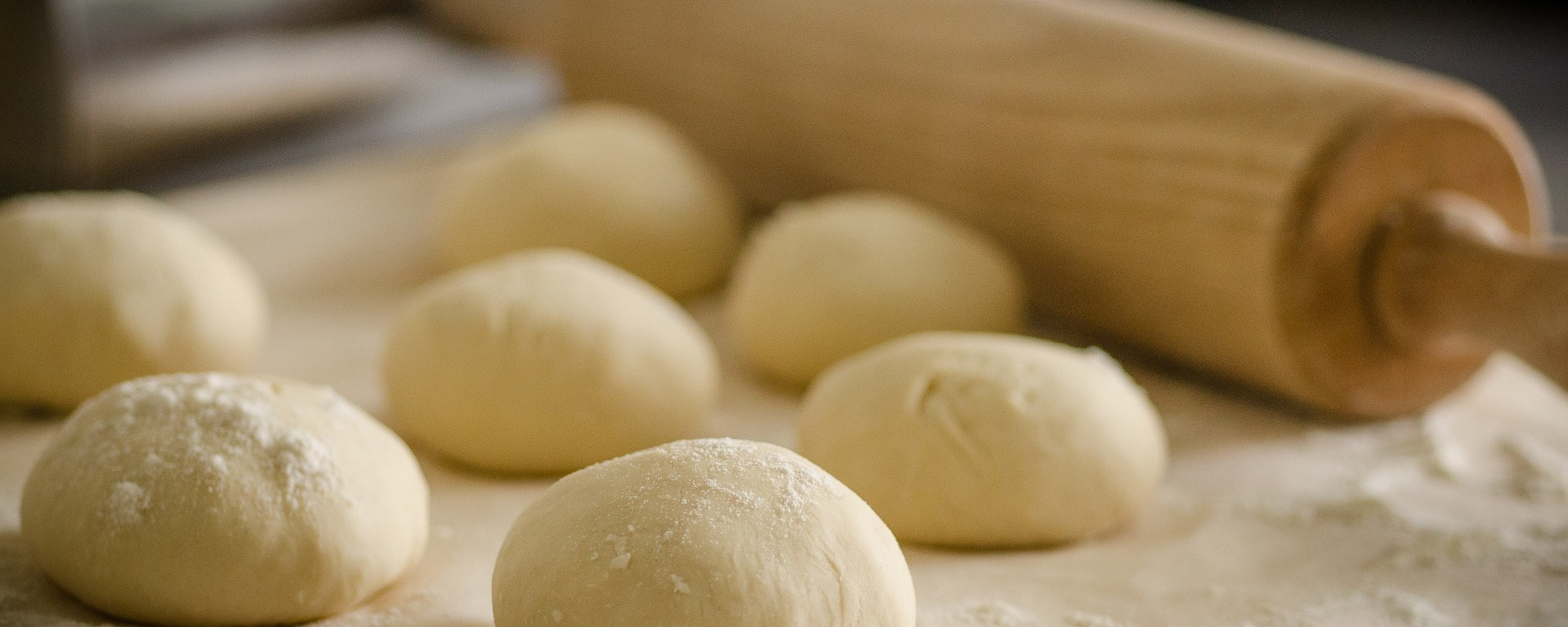 dough,cook,recipe,italian,flour,kitchen,preparation,white,ingredient,bakery,homemade,preparing,cuisine,pastry,bread,baking,pizza,traditional, DONCHARISMA,bread