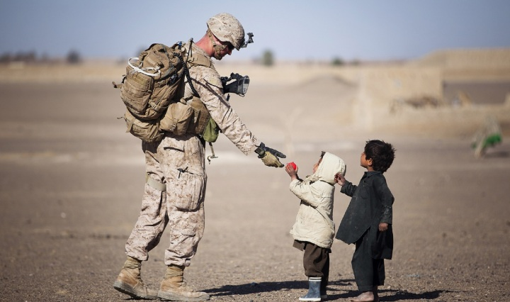 soldier,military,uniform,american,gifts,children,young,kids,people,humanity,poignant, DON CHARISMA