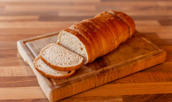 bread,food,isolated,croissant,loaf,white,baked,breakfast,bakery,bun,meal,pastry,sweet,healthy,brown,fresh,roll,snack,wheat,sliced,nobody,dessert,slice,closeup,eat, DON CHARISMA
