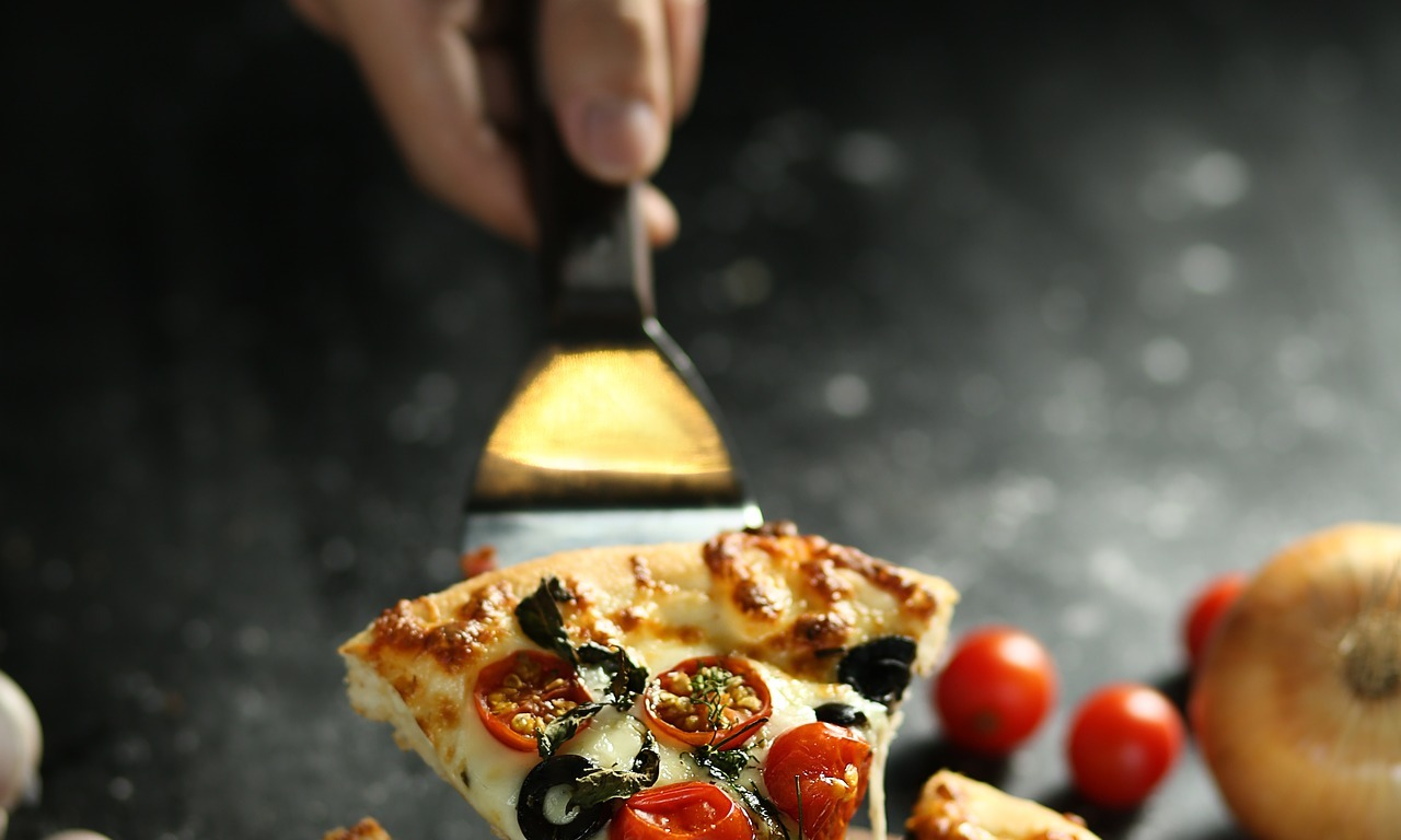 pizza,pizza hut,cooking,kitchen,pizza dominos,pizza near me, DON CHARISMA