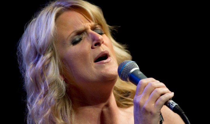 101006-N-0696M-203 Country music legend Trisha Yearwood performs at the USO Gala at the Marriott Wardman Park Hotel in Washington, D.C., Oct. 7, 2010. (DoD Photo by Mass Communication Specialist 1st Class Chad J. McNeeley/Released), DON CHARISMA